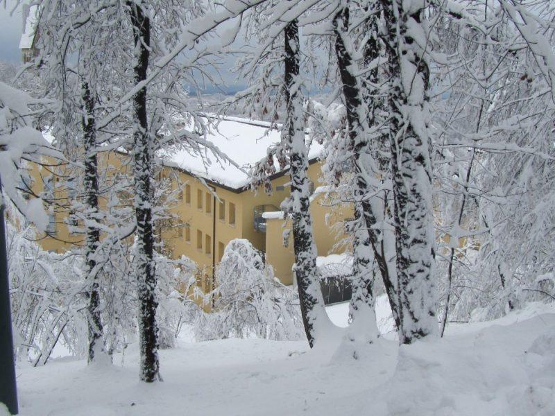 una vista invernale dell'ampio parco del Centro Residenziale